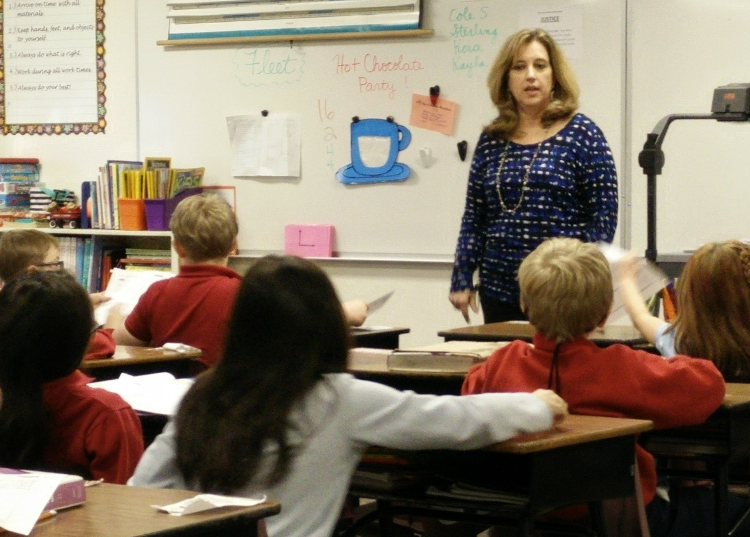students at the vanguard school learning spanish